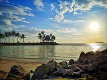 Puesta del sol en playa imágenes de archivo libres de regalías