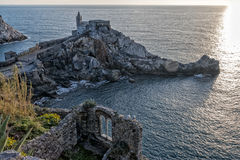 Puesta del sol en Portovenere imagen de archivo libre de regalías