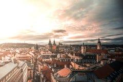 Puesta del sol en Praga Foto de archivo