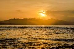Puesta del sol en Puerto Viejo Foto de archivo libre de regalías