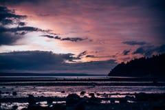 Puesta del sol en Puget Sound en Washington Imagenes de archivo