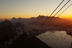 Puesta del sol en Río imagenes de archivo