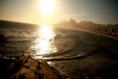 Puesta del sol en Rio de Janeiro Fotos de archivo libres de regalías