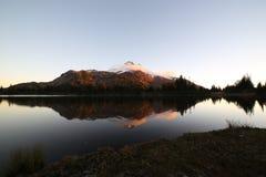 Puesta del sol en Russel Lake Foto de archivo libre de regalías