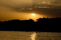 Puesta del sol en Salou, España Imagen de archivo libre de regalías