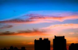 Puesta del sol en Sao Paulo, el Brasil Fotos de archivo