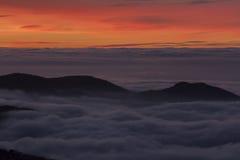 Puesta del sol en Sierra Nevada, Granada, España Imagen de archivo libre de regalías