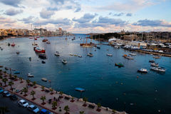 Puesta del sol en Sliema, Malta Imagen de archivo