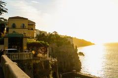 Puesta del sol en Sorrento, Italia imagen de archivo
