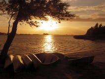 Puesta del sol en Spakenburg Holanda Foto de archivo libre de regalías