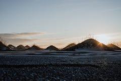 Puesta del sol en Stokksnes, Islandia Fotos de archivo libres de regalías