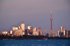 Puesta del sol en Toronto céntrico Imagenes de archivo