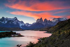 Puesta del sol en Torres Del Paine Fotografía de archivo libre de regalías
