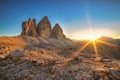 Puesta del sol en tres picos Imagenes de archivo
