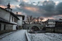 Puesta del sol en Tryavna, Bulgaria Fotografía de archivo libre de regalías