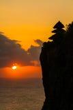 Puesta del sol en Uluwatu Bali Indonesia Foto de archivo libre de regalías