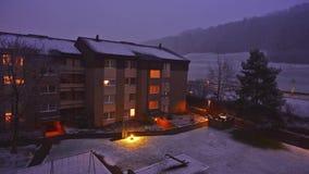 Puesta del sol en un paisaje del invierno en Wabern almacen de video