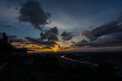 Puesta del sol en un punto escénico en Chumphon Tailandia fotos de archivo libres de regalías
