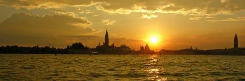Puesta del sol en Venecia fotografía de archivo libre de regalías