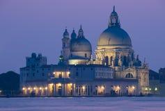Puesta del sol en Venecia, saludo del della de la basílica fotos de archivo libres de regalías