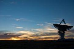 Puesta del sol en VLA New México Imágenes de archivo libres de regalías
