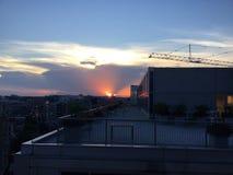Puesta del sol en Washington, D C En el tejado que mira la grúa Fotos de archivo libres de regalías