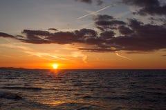 Puesta del sol en Zadar, Croacia foto de archivo