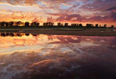 Puesta del sol encantadora Imagen de archivo libre de regalías