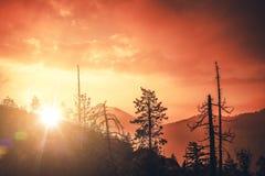 Puesta del sol escénica de California imagenes de archivo