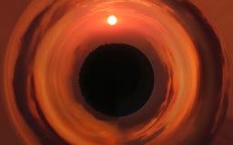 Puesta del sol esférica brillante hermosa sobre el planeta Nubes anaranjadas foto de archivo