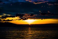 Puesta del sol Esmirna Turquía Fotos de archivo