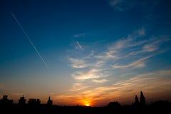 Puesta del sol europea de la ciudad Fotos de archivo