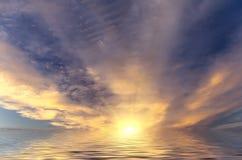 Puesta del sol fabulosa Foto de archivo