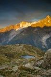 Puesta del sol francesa de las montan@as imagen de archivo libre de regalías