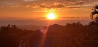 Puesta del sol hawaiana foto de archivo libre de regalías