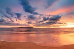 Puesta del sol hawaiana imagenes de archivo