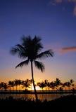 Puesta del sol hawaiana en la isla grande Fotos de archivo