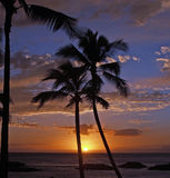Puesta del sol hawaiana impresionante en el centro turístico de Koolina Foto de archivo libre de regalías