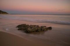 Puesta del sol hermosa de la playa de Portugal Fotografía de archivo libre de regalías