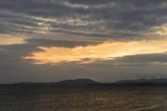 Puesta del sol hermosa del mar fotografía de archivo