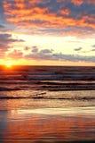 Puesta del sol hermosa del océano Imágenes de archivo libres de regalías