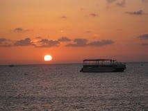 Puesta del sol hermosa del océano Foto de archivo