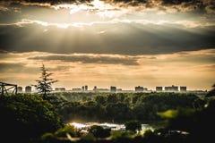 Puesta del sol hermosa en Belgrado imagenes de archivo
