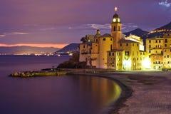 Puesta del sol hermosa en Camogli Foto de archivo libre de regalías