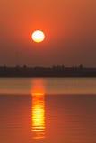 Puesta del sol hermosa en el depósito fotos de archivo libres de regalías