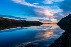 Puesta del sol hermosa en el lago Forsyth, península del banco fotos de archivo