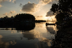 Puesta del sol hermosa en el lago Tailandia del songkhla Imagenes de archivo