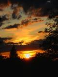 Puesta del sol hermosa en el verano imagen de archivo libre de regalías