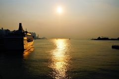 Puesta del sol hermosa en Hong Kong Imagenes de archivo