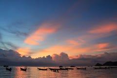 Puesta del sol hermosa en la isla de Koh Tao Foto de archivo